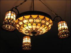 WISZĄCA LAMPA WITRAŻOWA TIFFANY - zdjęcie 1