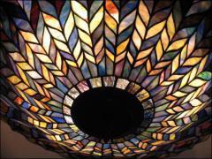 WISZĄCA LAMPA WITRAŻOWA TIFFANY - DUMNA JAK PAW - zdjęcie 2