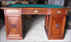Dębowe biurko - zdjęcie 1