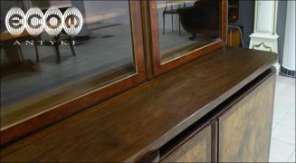 KREDENS Z OKRESU MIĘDZYWOJENNEGO W ORZECHU - zdjęcie 4