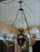 WISZĄCA LAMPA Z CZTEREMA KLOSZAMI - zdjęcie 2