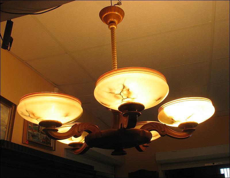WISZĄCA LAMPA Z PIĘCIOMA KLOSZAMI